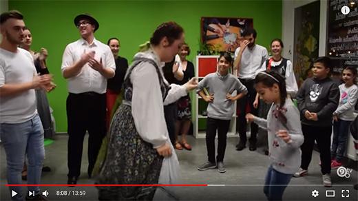 [Videó a H52 néptáncfoglalkozásáról a YoutTube-on]